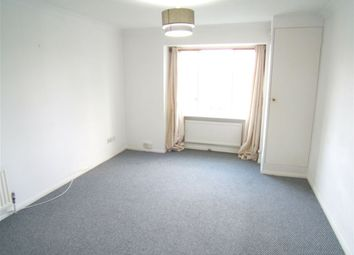 Thumbnail 1 bed flat to rent in Maynard Court, Rosefield Road, Staines, Middx