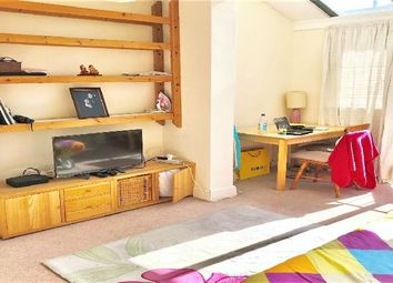 Thumbnail 1 bed flat to rent in Oaklands Grove, London