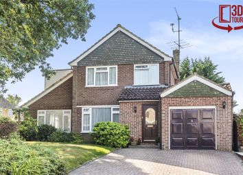 Pensford Close, Crowthorne, Berkshire RG45. 4 bed detached house