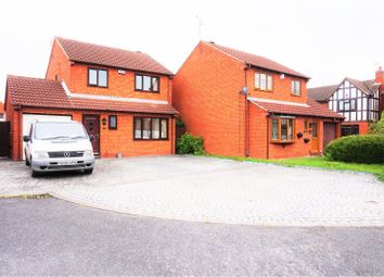 Thumbnail 3 bed detached house for sale in Cobham Close, Stenson Fields