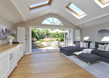 Thumbnail 6 bedroom terraced house to rent in Elms Road, London