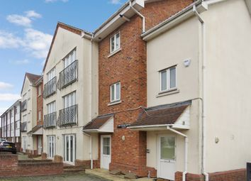 Thumbnail 3 bed flat for sale in Meadow Rise, Billericay