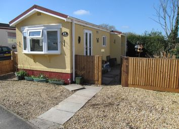 Thumbnail 2 bedroom mobile/park home for sale in Meadow Park, Bramley Road (Ref 5540), Sherfield On Loddon