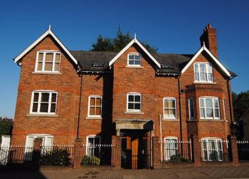 Thumbnail 2 bed flat to rent in Alma Road, St Albans