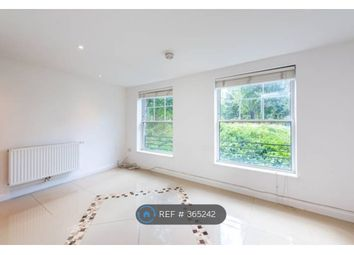 2 bed flat to rent in Black Prince Road, London SE11