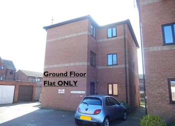 Thumbnail 2 bed flat for sale in King Street East, Gainsborough