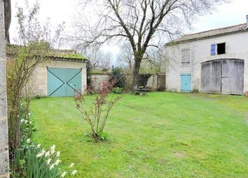 Thumbnail 3 bed property for sale in Saint-Pierre-d-Amilly, Charente-Maritime, France