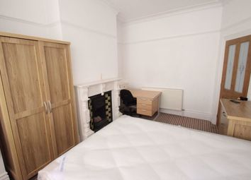 Thumbnail 4 bed terraced house to rent in Beaconsfield Road, West End, Leicester