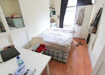 Thumbnail 1 bed flat to rent in Somefield Road, Finsbury Park, Hackney