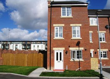 Thumbnail 4 bedroom town house for sale in Chancel Road, Wakefield