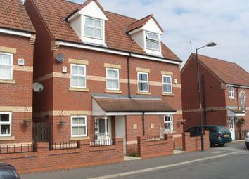 Thumbnail 3 bed town house to rent in Junction Road, Stainforth, Doncaster