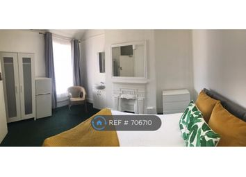 Thumbnail Room to rent in Elms Avenue, Eastbourne