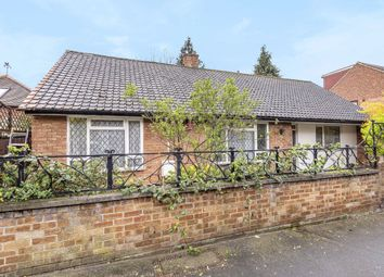 3 bed property for sale in Ambleside Avenue, London SW16