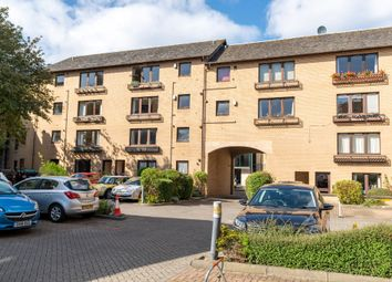 Thumbnail 2 bed flat to rent in Gilmours Entry, Newington, Edinburgh