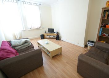 Thumbnail 4 bed flat to rent in St Johns Terrace, Hyde Park, Leeds