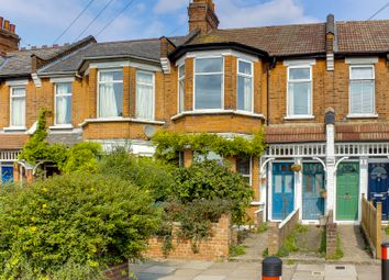 2 bed maisonette for sale in Manor Park Road, London N2