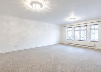 2 bed flat to rent in Myrtleside Close, Northwood HA6, Northwood,