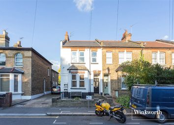 Thumbnail 3 bedroom flat to rent in Brownlow Road, London