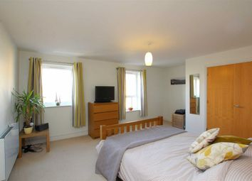 Thumbnail 2 bedroom flat for sale in Woodacre, Portishead, North Somerset