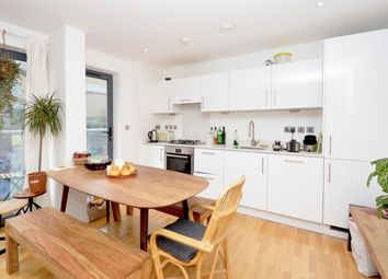 Thumbnail 3 bed flat to rent in Calvin Street, London