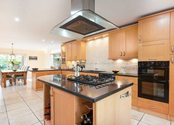 5 bed detached house for sale in Heatherway, Crowthorne RG45