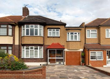 4 bed link-detached house for sale in South View Drive, London E18