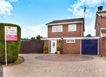Thumbnail 3 bedroom detached house for sale in Frensham Drive, Bletchley, Milton Keynes