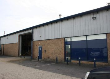 Thumbnail Warehouse to let in Grovebell Industrial Estate 5, Farnham, Surrey