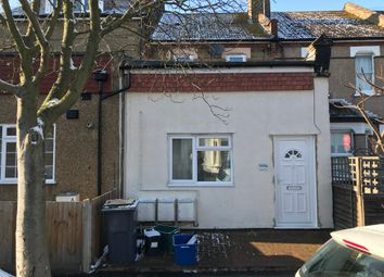 1 bed maisonette to rent in Dagnall Park, South Norwood SE25
