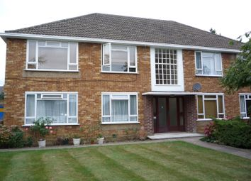 Thumbnail 1 bed flat to rent in Fairfield Close, North Finchley