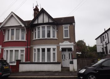 Thumbnail 2 bed flat to rent in Southbourne Grove, Westcliff