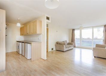 Thumbnail 2 bed flat for sale in Turnpike Link, Croydon
