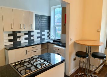 Thumbnail 4 bed flat to rent in Meanwood Road, Leeds