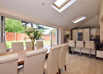 Harrow Close, Hornchurch, Essex RM11. 4 bed detached house