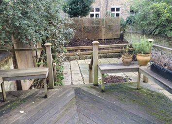 Thumbnail 2 bed flat to rent in Chepstow Place, London