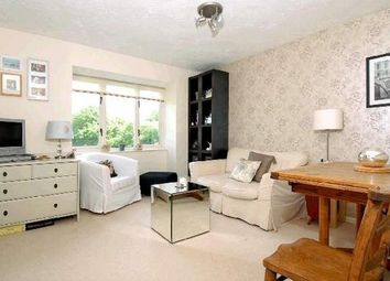 Thumbnail 1 bed flat to rent in Barnfield Close, Earlsfield, London