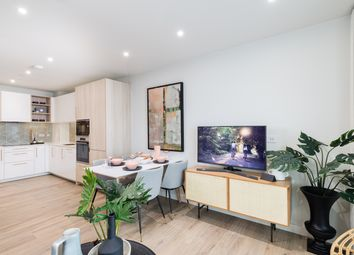 Mary Neuner Road, London N8. 2 bed flat for sale