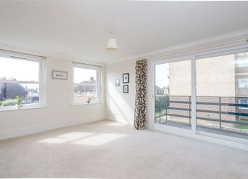 Thumbnail 2 bedroom flat for sale in Park Close, North Oxford