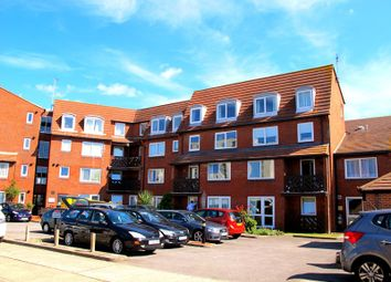 Hometide House, Beach Road, Lee-On-The-Solent, Hampshire PO13. 1 bed flat