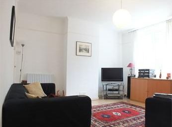 Thumbnail 3 bedroom flat to rent in Library Street, Southwark