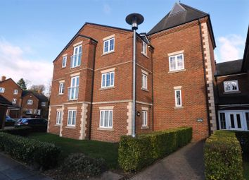Thumbnail 2 bed flat to rent in Hitchin Hill, Hitchin
