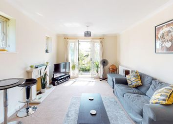 Pangbourne Place, Reading Road, Pangbourne, Reading RG8. 2 bed flat