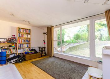 Thumbnail 2 bed flat to rent in Nether Street, Friern Barnet