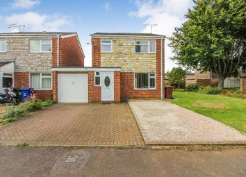 Thumbnail 3 bedroom detached house to rent in Chatsworth Drive, Banbury
