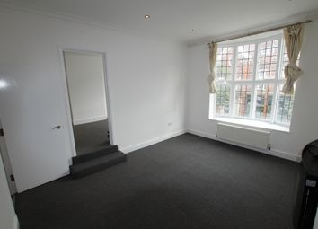 Thumbnail 1 bed flat to rent in Eastcheap, Letchworth Garden City