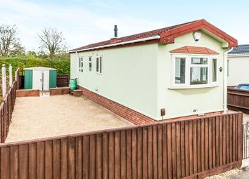 Thumbnail 2 bedroom mobile/park home for sale in St Nicholas Park, Old Marston, Oxford