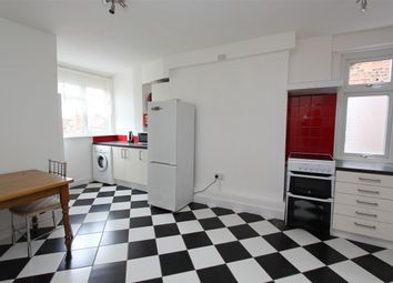 Thumbnail 2 bedroom flat to rent in Priory Road, Hornsey