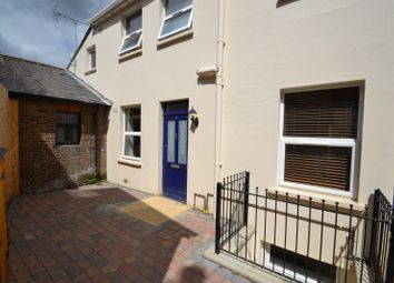 Thumbnail 2 bed flat to rent in Birkheads Road, Reigate