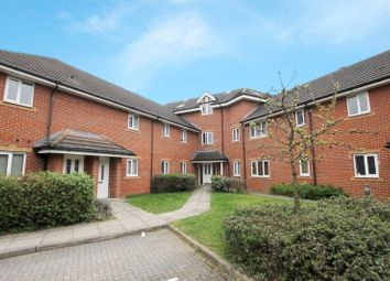 Thumbnail 2 bed flat to rent in Convent Road, Ashford