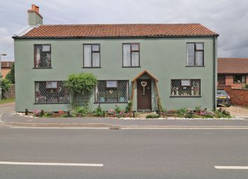 Thumbnail 3 bed cottage for sale in Westgate Road, Belton, Doncaster